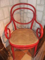 Fauteuil thonet rouge