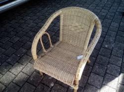 chaise en rotin arrondi