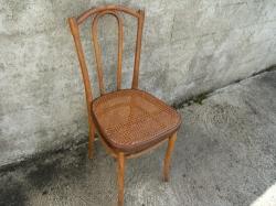 Chaise Thonet droite cannée n° 8