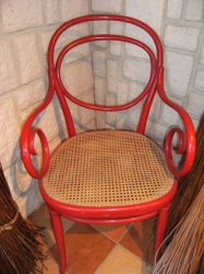 Fauteuil thonet rouge